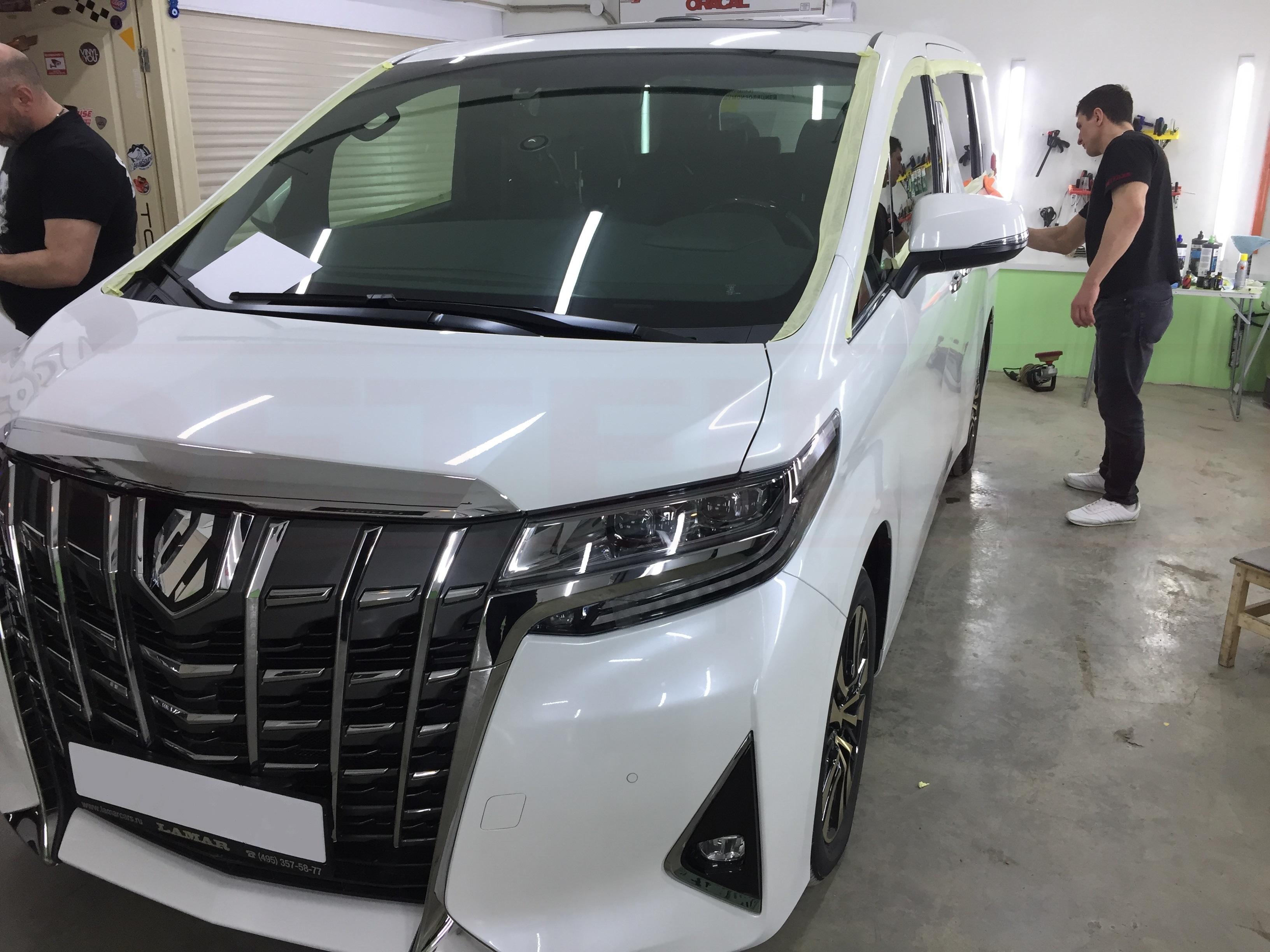 Керамическое покрытиеавтомобиля ТойотаАльфард